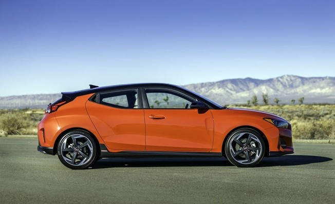 Hyundai Veloster 2018 - lateral