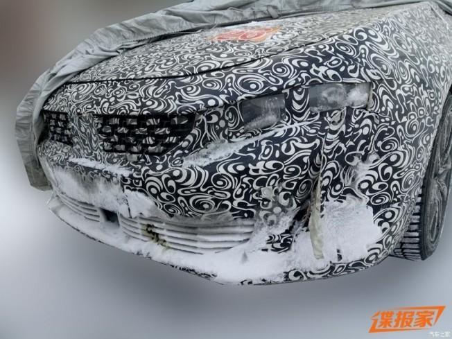 Peugeot 508 2018 - foto espía frontal