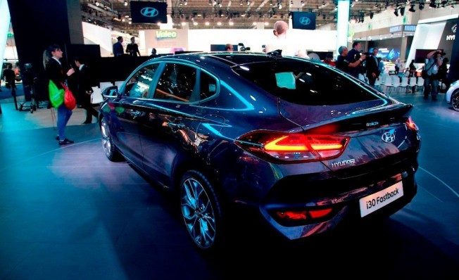 Hyundai i30 Fastback - posterior