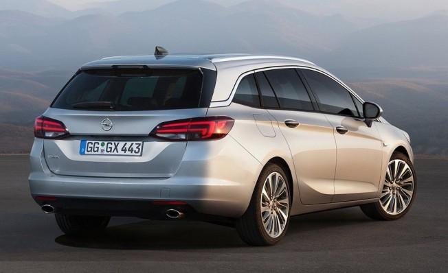 Opel Astra Sports Tourer - posterior