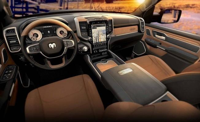 RAM 1500 Laramie Longhorn Edition - interior