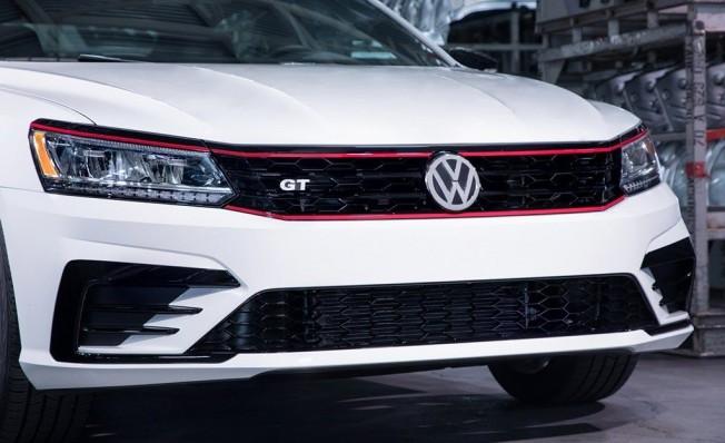 Volkswagen Passat GT 2018 - frontal