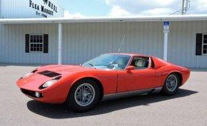 Aparece un Lamborghini Miura que llevaba décadas en un granero