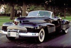 Jay Leno prueba el mítico Buick Y-Job, el primer concept car de la historia