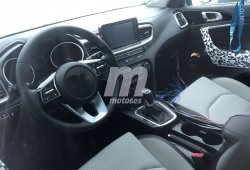 Un vistazo al interior del Kia Cee'd 2018 antes de su debut en Ginebra