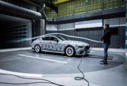 Mercedes-AMG adelanta tres imágenes de la nueva berlina deportiva GT4