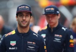 Ricciardo reconoce que la presión de Verstappen le pasó factura