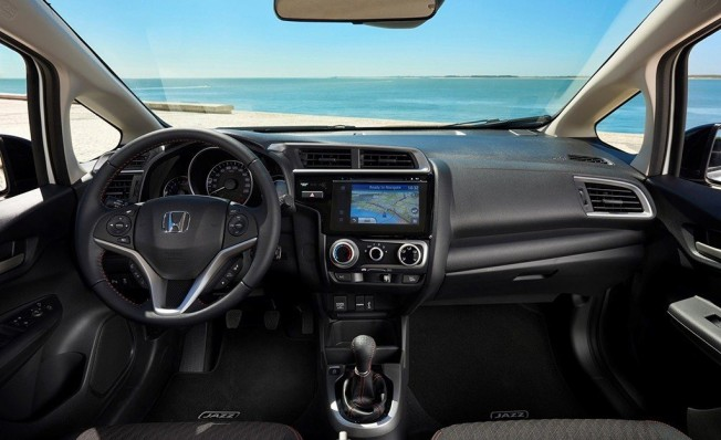 Honda Jazz 2018 - interior