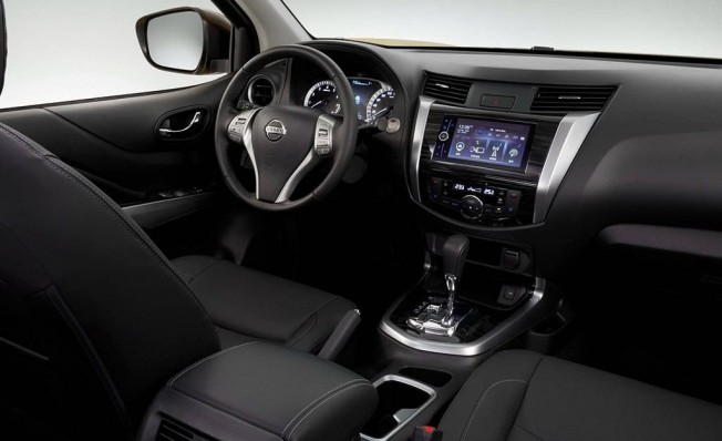 Nissan Terra - interior