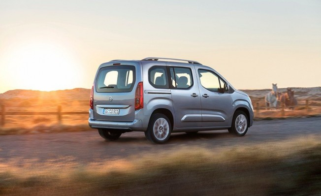 Opel Combo 2018 - posterior