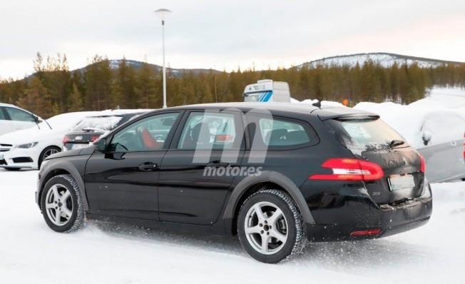 Peugeot 4008 2020 - foto espía