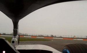Vuelta 'on board' de Bottas con el halo en el Mercedes W09