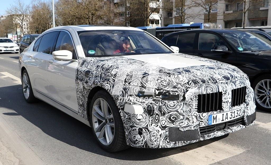 El nuevo BMW Serie 7 2019 se deja ver, de nuevo, a plena luz del día