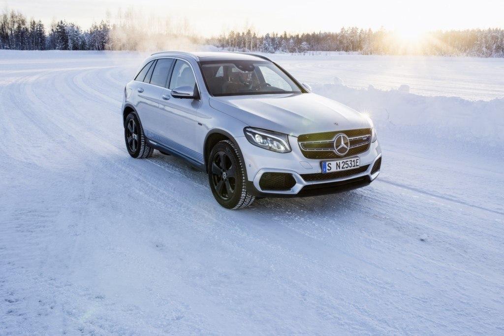 Mercedes muestra el desarrollo de los nuevos EQC y GLC F-CELL en las pruebas de invierno