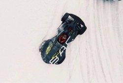 El BAC Mono solo podía resultar más espectacular derrapando en la nieve