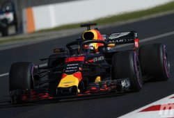 """Verstappen: """"El nuevo asfalto lo cambia todo, es difícil valorar"""""""