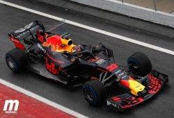 """Max Verstappen: """"El coche se comporta de forma muy diferente"""""""