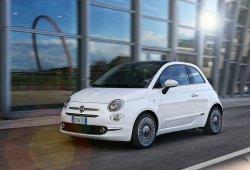 España - Febrero 2018: El Fiat 500 y el Peugeot 3008 sobresalen