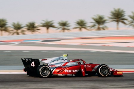 Nyck de Vries devuelve a lo más alto a Prema en Bahréin
