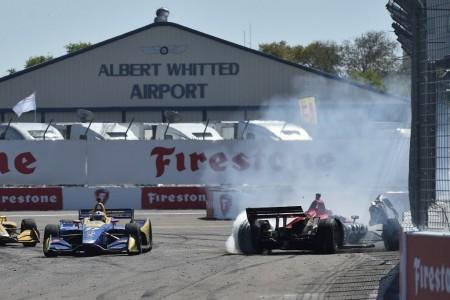 Una colisión entre Wickens y Rossi da la victoria a Bourdais