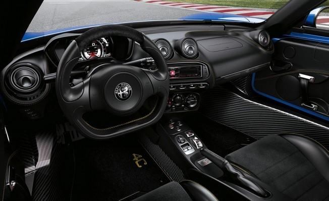 Alfa Romeo 4C Spider Italia - interior