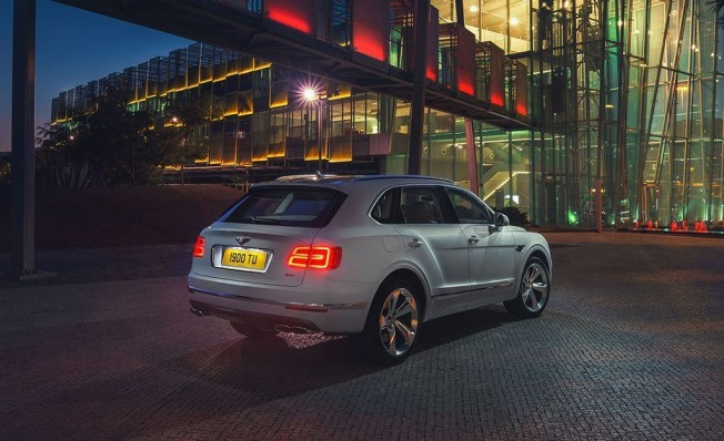 Bentley Bentayga Hybrid - posterior
