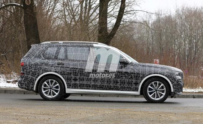 BMW X7 2019 - foto espía lateral