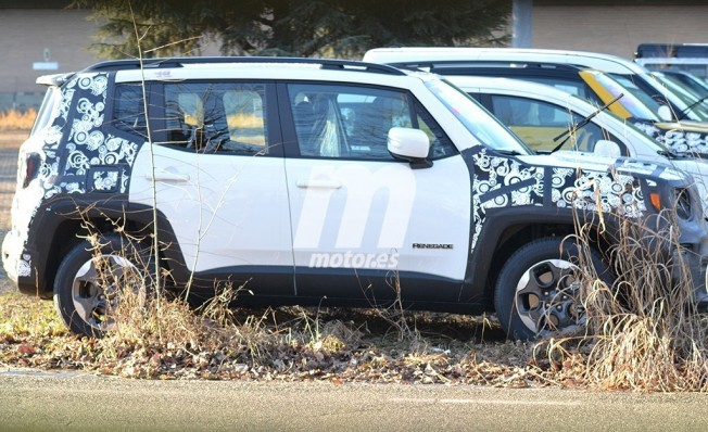 Jeep Renegade 2019 - foto espía lateral