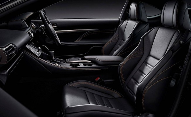 Lexus RC 300h F Sport Black Edition - interior