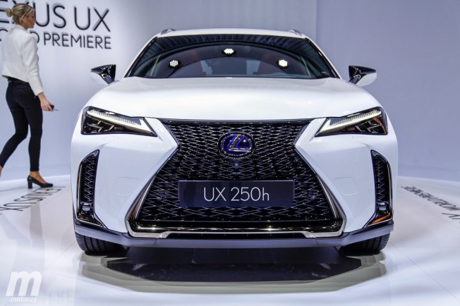 el nuevo lexus ux desvelado oficialmente en ginebra 2018. Black Bedroom Furniture Sets. Home Design Ideas