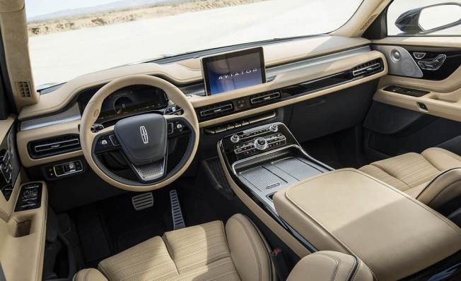 Lincoln Aviator Concept - interior