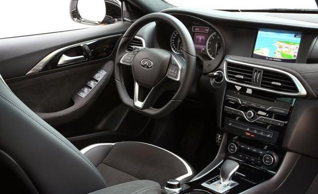 Infiniti Q30 2018 - interior