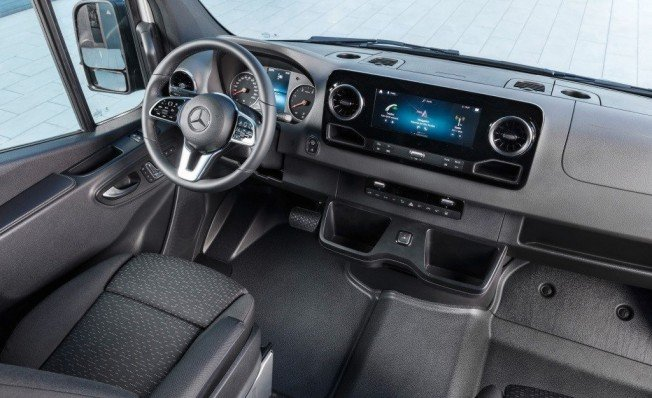 Mercedes Sprinter 2018 - interior
