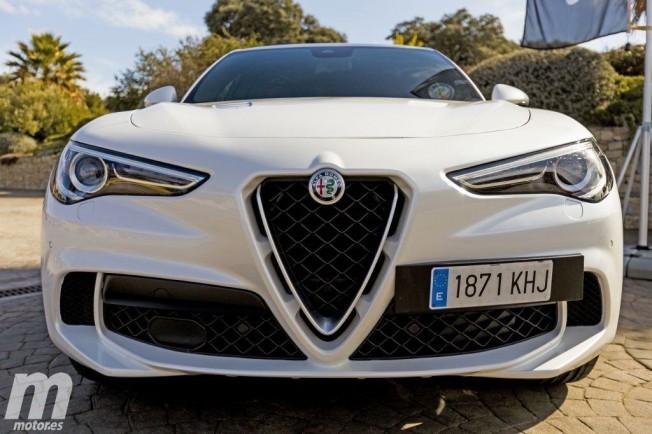 Alfa Romeo Stelvio Quadrifoglio Verde - frontal