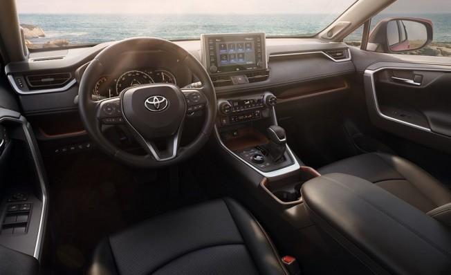 Toyota RAV4 2019 - interior