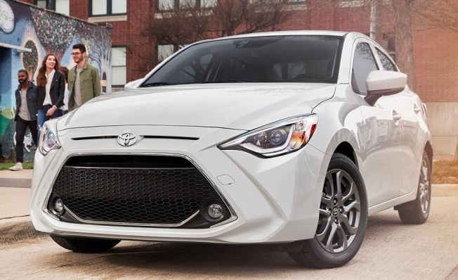 Toyota Yaris Sedán 2019 - frontal