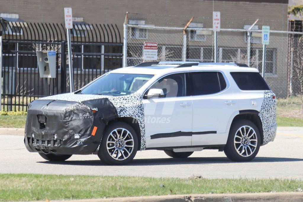 GMC Acadia 2019: las primeras imágenes de la actualización del SUV medio