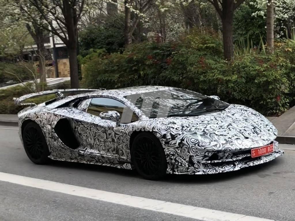 Cazamos el Lamborghini Aventador SuperVeloce Jota en España