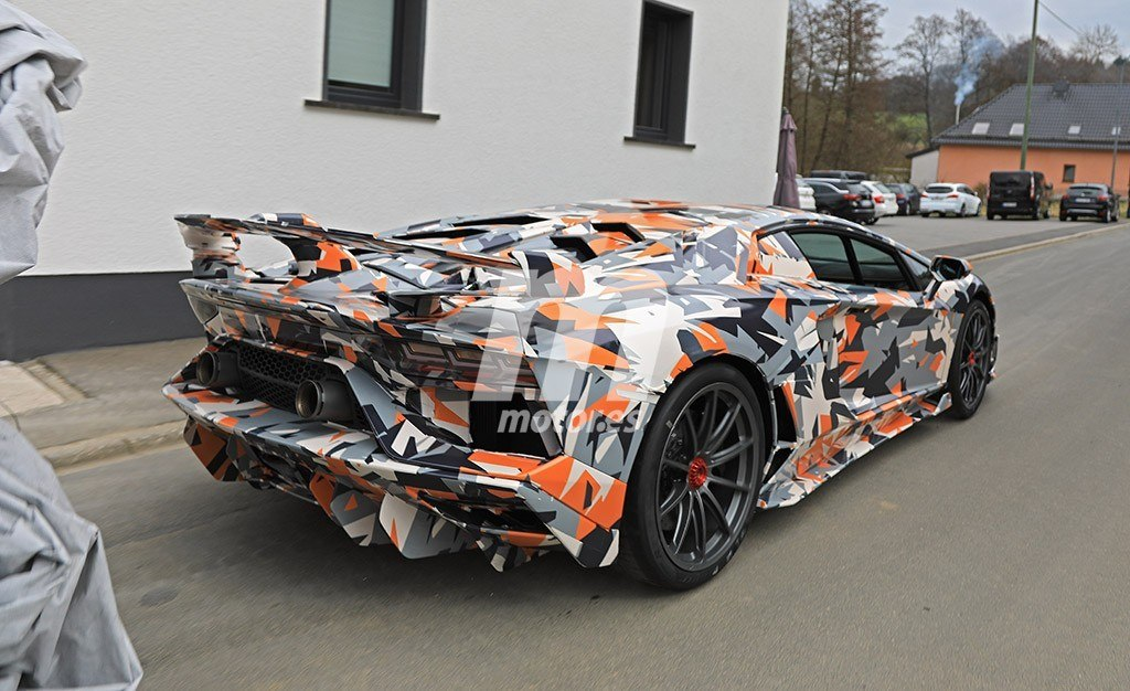 2011 - [Lamborghini] Aventador LP700-4 - Page 26 Lamborghini-aventador-sv-jota-fotos-espia-201845464_11