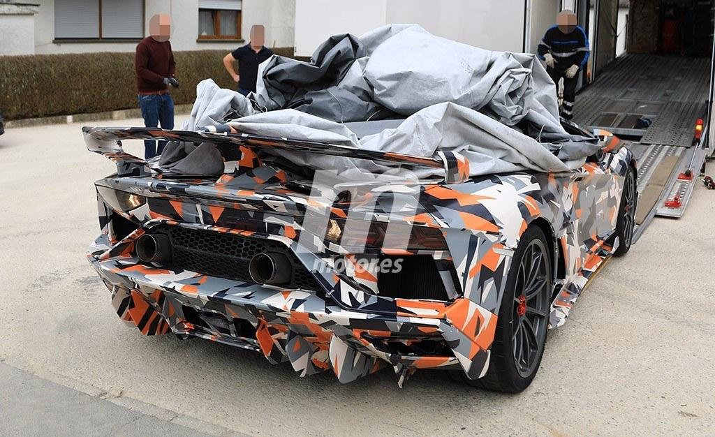 2011 - [Lamborghini] Aventador LP700-4 - Page 26 Lamborghini-aventador-sv-jota-fotos-espia-201845464_4