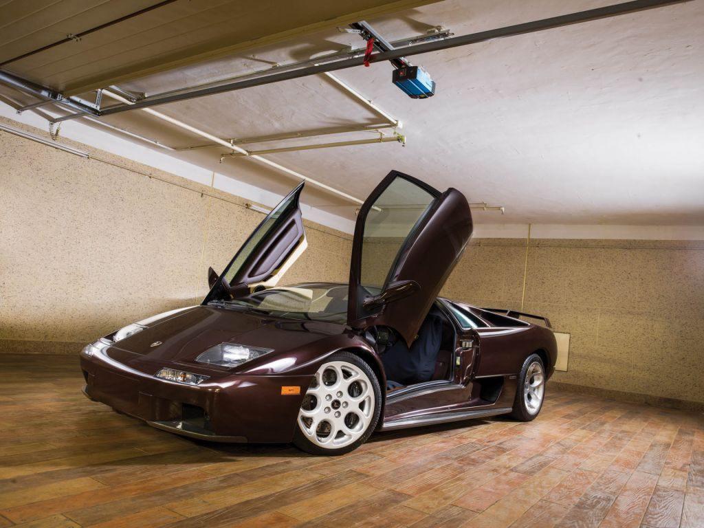 Aparece uno de los últimos Lamborghini Diablo fabricados a estrenar