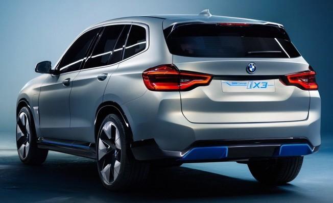 BMW Concept iX3 - posterior