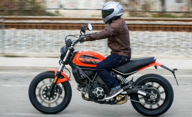 Motocicleta de 48 CV