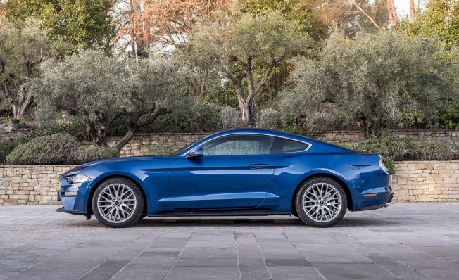 Ford Mustang 2018 - lateral