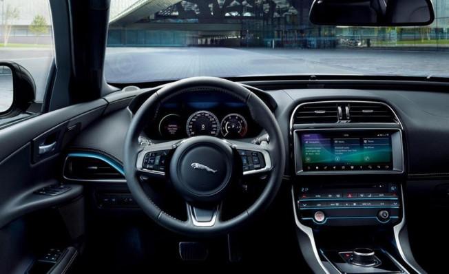 Jaguar XE Landmark Edition - interior