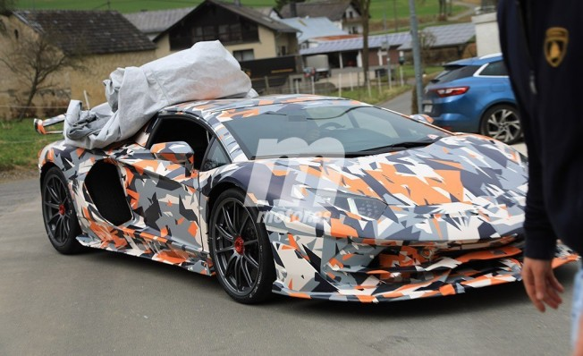 Lamborghini Aventador SuperVeloce Jota - foto espía