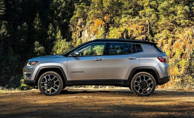 Jeep Compass - lateral