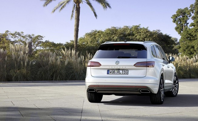 Volkswagen Touareg 2018 - posterior