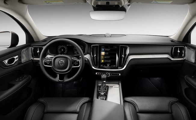 Volvo V60 2018 - interior