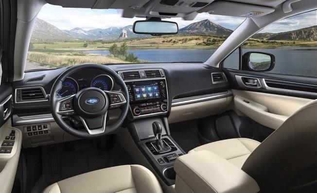 Subaru Outback Executive Plus S - interior